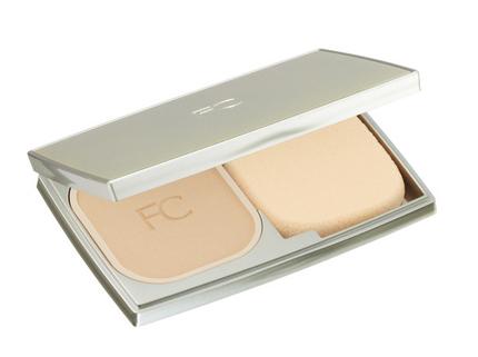 ファンケル、美容液成分をたっぷりと配合した「エッセンス スフレファンデーション」を発売