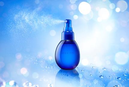コーセー、「雪肌精 クリアウェルネス」から乾燥・肌あれと大気中の微粒子から肌を守る「W バリア ミスト」を発売