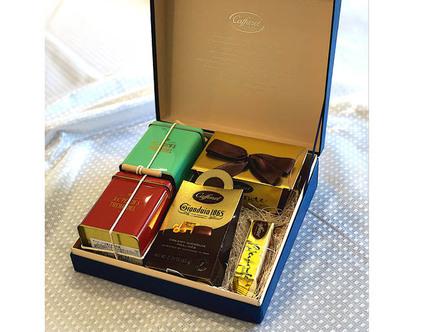 山本商店、カファレルのチョコレートとデンマークの老舗ティーブランド「A.C.Perch's」のセット商品をオンラインショップで発売