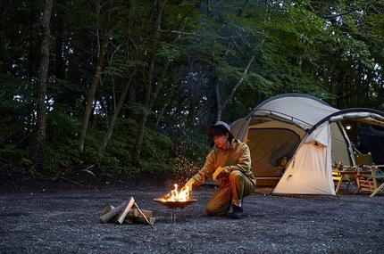 デサントジャパン、アウトドアブランド「マーモット」から難燃素材を使用したキャンプウェアを発売