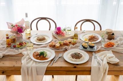 日比谷花壇、花と料理の母の日限定ギフトセットをオンラインショッピングサイトで注文受付を開始